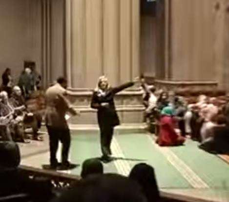 Protester at National Cathedral Interupts Muslim Prayer
