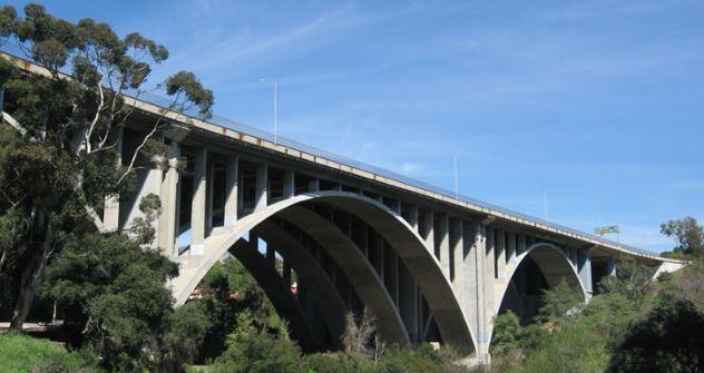 Pasadena's Suicide Bridge